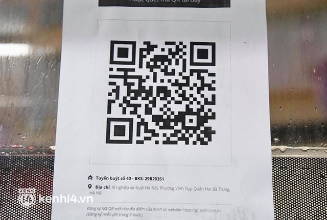 Hà Nội: Xe buýt, taxi hối hả chuẩn bị cho ngày đầu được hoạt động, đón khách trở lại - Ảnh 9.
