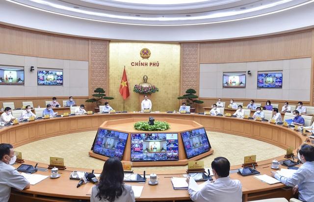 Chính phủ họp thường kỳ, tập trung thảo luận về 2 nội dung chính: Kinh tế và thích ứng an toàn với Covid-19 - Ảnh 1.
