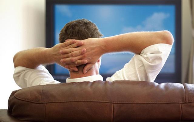 Đừng xem TV theo cách này nếu không muốn bị đau dạ dày, nhanh già đi, thậm chí mắc ung thư - Ảnh 4.