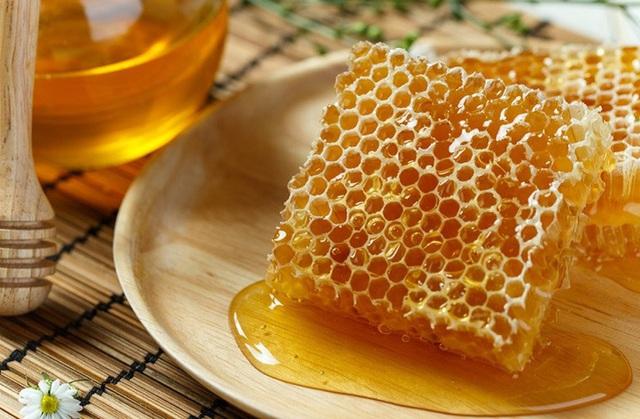 Không phải mật ong, đây mới là thứ được lấy ra từ tổ ong vừa giúp trị bệnh lại làm đẹp vô cùng hiệu quả mà nhiều người không hay biết - Ảnh 6.
