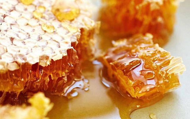 Không phải mật ong, đây mới là thứ được lấy ra từ tổ ong vừa giúp trị bệnh lại làm đẹp vô cùng hiệu quả mà nhiều người không hay biết - Ảnh 10.