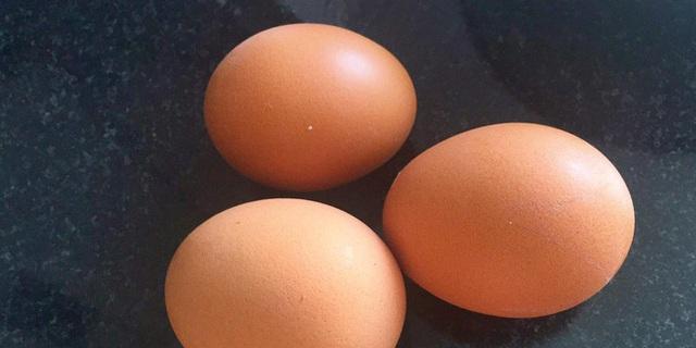 2 loại thực phẩm tốt nhất không nên ăn chung với trứng, không những gây tiêu chảy, đau bụng mà còn có thể hình thành sỏi trong cơ thể - Ảnh 1.