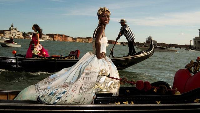 """Sau 3 năm """"ếch chết tại miệng"""", Dolce & Gabbana đã được Trung Quốc đưa ra khỏi """"lãnh cung"""" chưa? - Ảnh 3."""