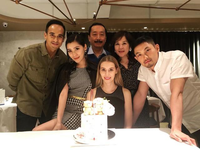 Lộ diện cô gái nắm giữ trái tim cậu cả của gia tộc giàu nhất nhì Malaysia: Ngoại hình hoàn mỹ, có tài chinh phục cả nhà chồng - Ảnh 5.