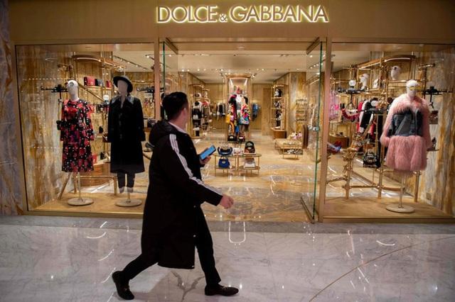 """Sau 3 năm """"ếch chết tại miệng"""", Dolce & Gabbana đã được Trung Quốc đưa ra khỏi """"lãnh cung"""" chưa? - Ảnh 7."""