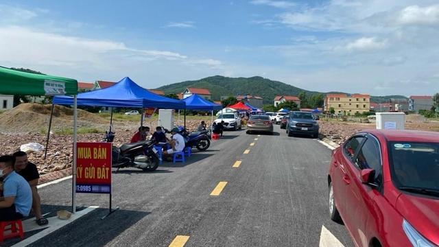 Không chỉ đổ xô về vùng ven Hà Nội xem đất, nhiều nhà đầu tư còn đang nóng lòng đổ bộ các tỉnh - Ảnh 1.