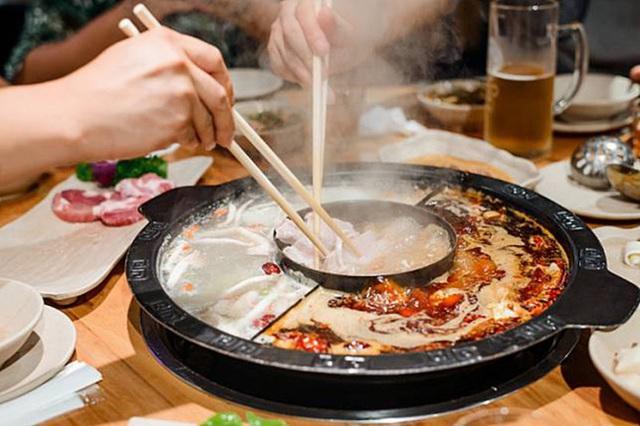 5 tác hại cực kỳ nguy hiểm khi ăn đồ quá nóng, nếu không thay đổi thói quen này, ung thư sẽ xuất hiện - Ảnh 2.