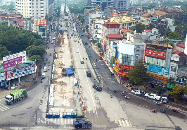 Dự án trọng điểm hầm chui Lê Văn Lương đang thi công hiện ra sao sau thời gian giãn cách? - Ảnh 2.