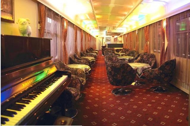 Tàu hỏa xa hoa nhất Trung Quốc: 100 triệu/vé vẫn phải tranh nhau mua, tích hợp cả quán bar, phòng hát, phòng nghỉ khép kín tiện nghi - Ảnh 13.