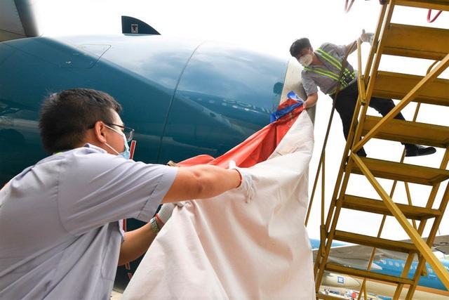 Hàng không hối hả bảo dưỡng máy bay trước ngày nối lại bay nội địa - Ảnh 5.