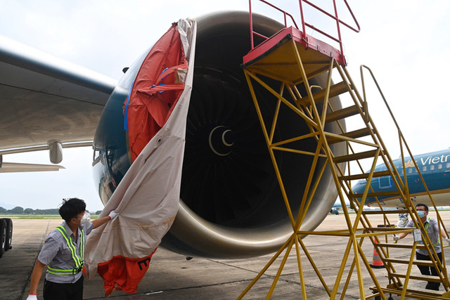 Hàng không hối hả bảo dưỡng máy bay trước ngày nối lại bay nội địa - Ảnh 6.