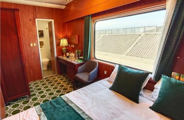 Tàu hỏa xa hoa nhất Trung Quốc: 100 triệu/vé vẫn phải tranh nhau mua, tích hợp cả quán bar, phòng hát, phòng nghỉ khép kín tiện nghi - Ảnh 5.