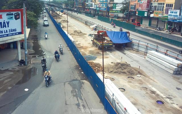 Dự án trọng điểm hầm chui Lê Văn Lương đang thi công hiện ra sao sau thời gian giãn cách? - Ảnh 7.