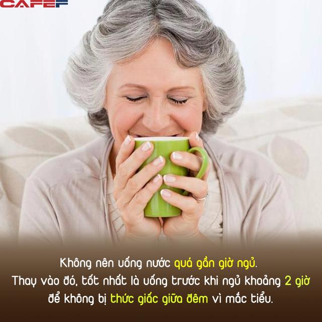 50 tuổi là thời kỳ quan trọng của tuổi thọ, trước khi đi ngủ làm 5 điều thường xuyên, sức khỏe tốt, ít ốm đau - Ảnh 1.