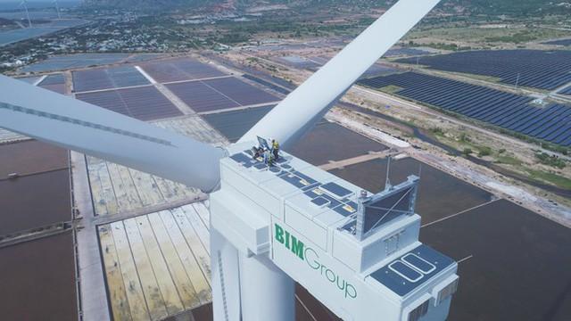 Quốc tế đưa tin về tổ hợp kinh tế muối và năng lượng tái tạo lớn nhất Việt Nam - Ảnh 2.