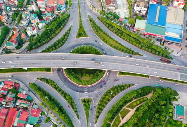 Cận cảnh 2 nút giao thông khổng lồ đẹp như tranh vẽ, đắt tiền và hiện đại bậc nhất Thủ đô - Ảnh 1.
