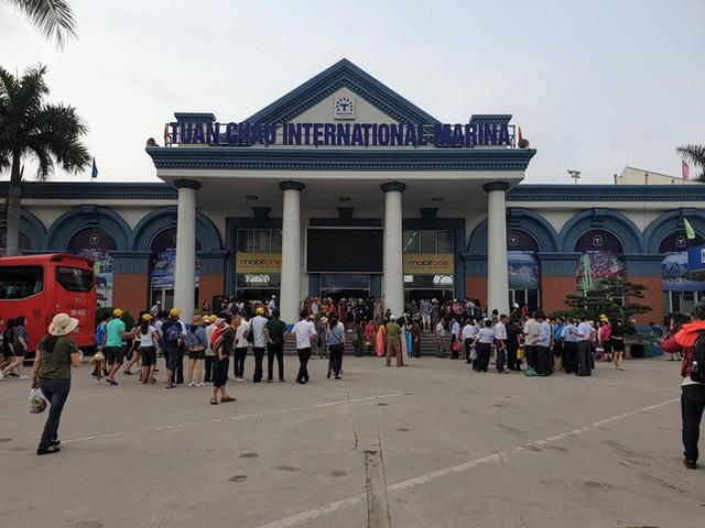 Quảng Ninh sẽ đón khách du lịch ngoại tỉnh từ tháng 11  - Ảnh 1.