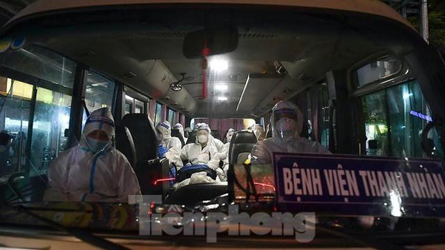Bệnh viện Việt Đức tiến hành chuyển bệnh nhân sang 3 bệnh viện khác tại Hà Nội - Ảnh 4.