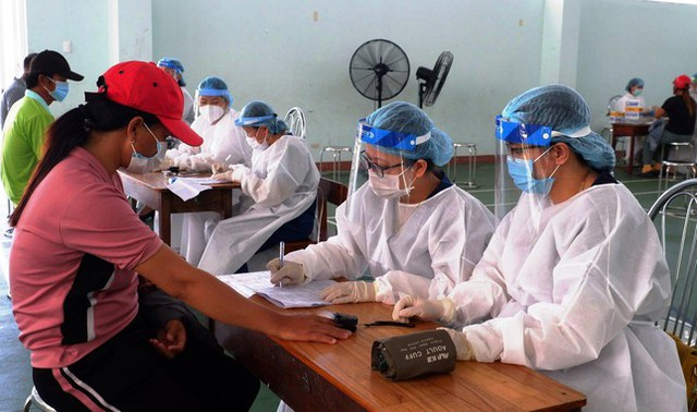 Đà Nẵng bắt đầu tiêm vắc xin Vero Cell phòng COVID-19  - Ảnh 3.