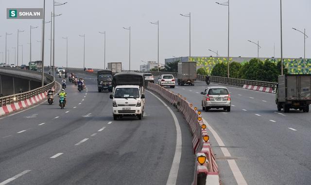 Cận cảnh 2 nút giao thông khổng lồ đẹp như tranh vẽ, đắt tiền và hiện đại bậc nhất Thủ đô - Ảnh 4.