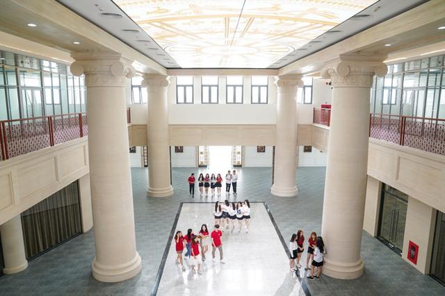 3 Đại học dành cho con nhà giàu ở Việt Nam: Học phí gần tỉ đồng, bên trong trường đẹp như phim Vườn sao băng Hàn Quốc - Ảnh 7.