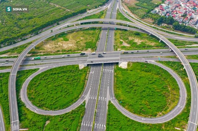 Cận cảnh 2 nút giao thông khổng lồ đẹp như tranh vẽ, đắt tiền và hiện đại bậc nhất Thủ đô - Ảnh 8.