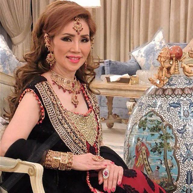 Bà lão Lọ Lem U60: Hốt được chồng là tỷ phú Dubai giàu nứt đố đổ vách vẫn tự tin tuyên bố một câu khiến ai cũng kiêng nể - Ảnh 1.