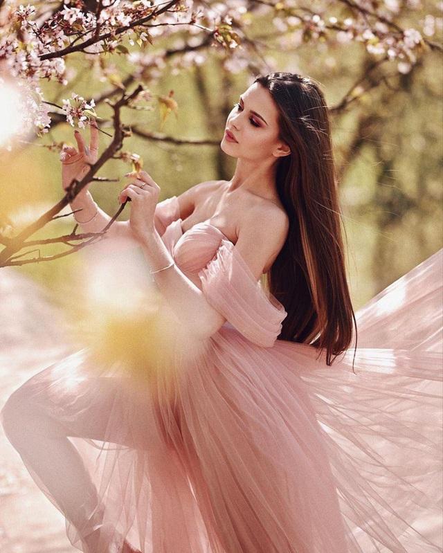 Lâu lắm thế giới mới có Hoa hậu đăng quang đẹp nhường này: Xinh như thiên thần trong cổ tích, nhan sắc đời thường gây choáng - Ảnh 12.