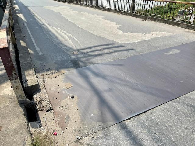 Cận cảnh cầu Đuống xuống cấp trầm trọng, Hà Nội đề xuất gần 1.800 tỷ xây dựng cầu mới - Ảnh 12.