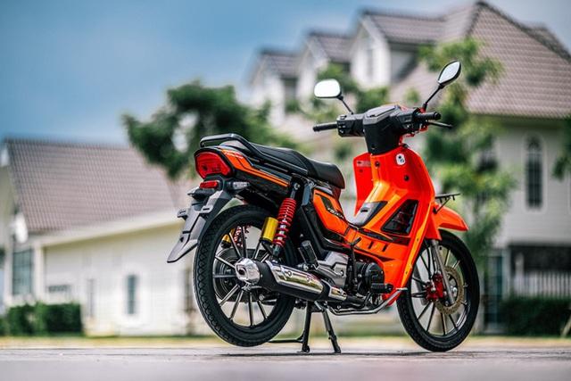 Bản sao Honda Dream giá 27 triệu đồng vừa cập bến Việt Nam, chờ bung lụa - Ảnh 4.