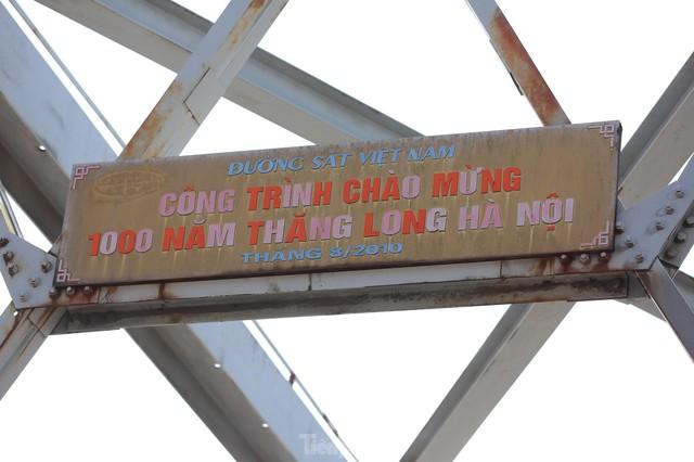 Cận cảnh cầu Đuống xuống cấp trầm trọng, Hà Nội đề xuất gần 1.800 tỷ xây dựng cầu mới - Ảnh 4.