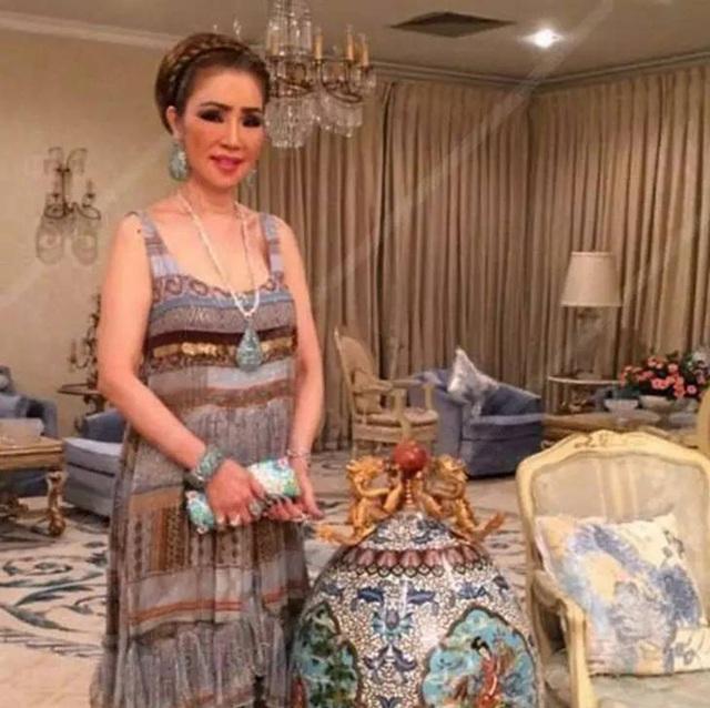 Bà lão Lọ Lem U60: Hốt được chồng là tỷ phú Dubai giàu nứt đố đổ vách vẫn tự tin tuyên bố một câu khiến ai cũng kiêng nể - Ảnh 6.