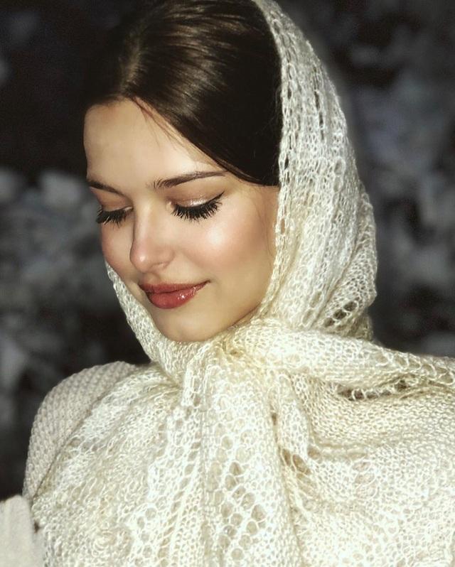 Lâu lắm thế giới mới có Hoa hậu đăng quang đẹp nhường này: Xinh như thiên thần trong cổ tích, nhan sắc đời thường gây choáng - Ảnh 8.