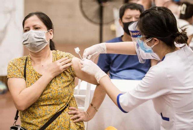 Bộ Y tế: Vắc-xin Covid-19 sắp về nhiều  - Ảnh 1.