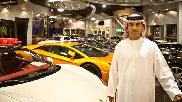 Câu chuyện ít biết về ông trùm đại lý Dubai chuyên bán siêu xe cho đại gia Việt: 'Chỉ cần bạn có tiền, xe gì tôi cũng tìm được' - Ảnh 1.