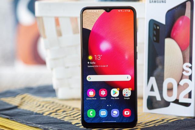 Top 10 smartphone bán chạy nhất tại Việt Nam trong tháng 9 - bất ngờ vì mẫu iPhone 3 năm tuổi của Apple vẫn on top - Ảnh 5.
