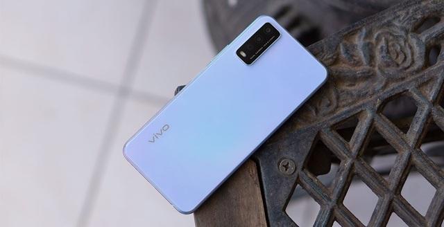 Top 10 smartphone bán chạy nhất tại Việt Nam trong tháng 9 - bất ngờ vì mẫu iPhone 3 năm tuổi của Apple vẫn on top - Ảnh 8.