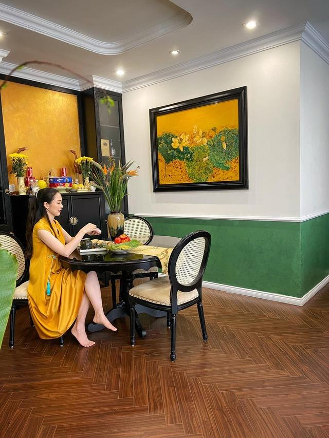 Ngôi nhà phong cách Indochine của đôi vợ chồng trẻ: Chi 700 triệu để mang cảm giác Hà Nội đầy tinh tế vào từng góc nhà - Ảnh 9.