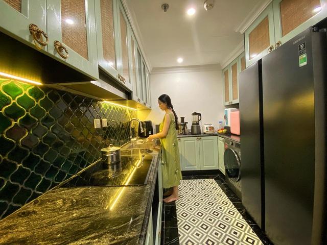 Ngôi nhà phong cách Indochine của đôi vợ chồng trẻ: Chi 700 triệu để mang cảm giác Hà Nội đầy tinh tế vào từng góc nhà - Ảnh 14.
