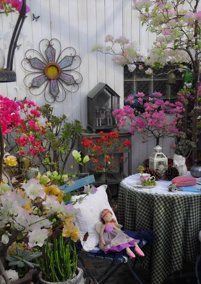Sau nhiều năm làm việc chăm chỉ, người phụ nữ 50 tuổi mua căn nhà vườn xinh xắn sống cuộc đời an yên - Ảnh 16.