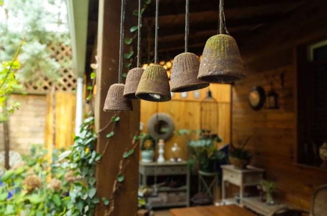 Sau nhiều năm làm việc chăm chỉ, người phụ nữ 50 tuổi mua căn nhà vườn xinh xắn sống cuộc đời an yên - Ảnh 18.