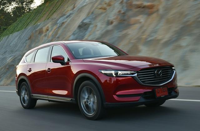 Chạy đua doanh số, ô tô ồ ạt đại hạ giá cao nhất lên tới 240 triệu đồng - Ảnh 2.