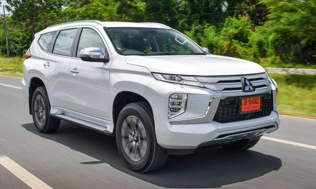 Chạy đua doanh số, ô tô ồ ạt đại hạ giá cao nhất lên tới 240 triệu đồng - Ảnh 3.
