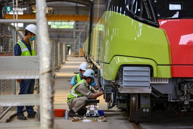 Hình ảnh mới, lạ mắt của tuyến Metro tỷ USD ở Thủ đô sắp chạy thử nghiệm đồng loạt - Ảnh 3.