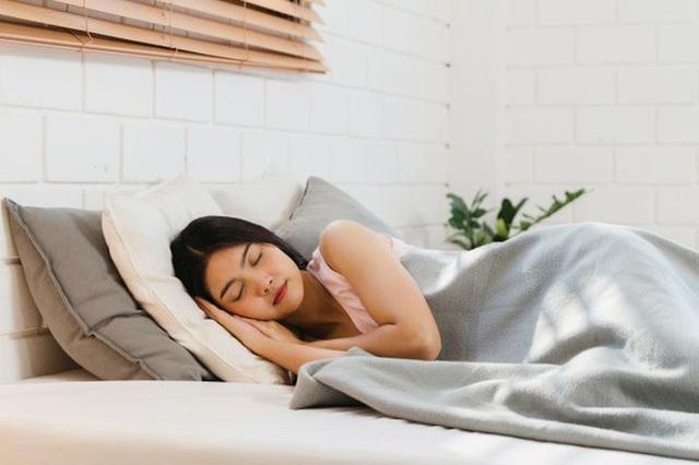 Có 4 thói quen này trước khi đi ngủ, thận sẽ cảm ơn bạn - Ảnh 3.
