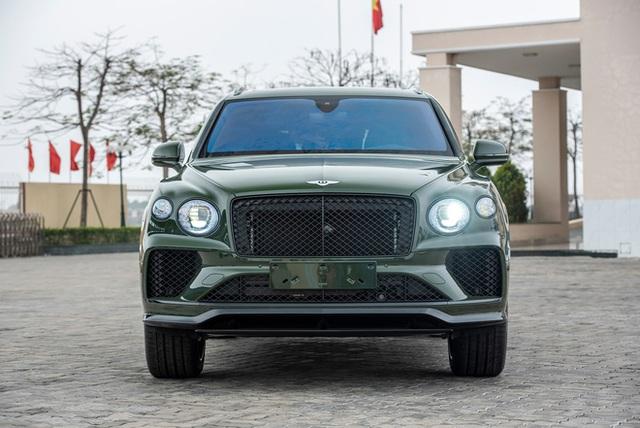 Đồng hồ kim cương trên Bentley Bentayga của đại gia Hà thành có giá gần 3 tỷ đồng, đắt hơn một chiếc Mercedes-Benz GLC 300 - Ảnh 4.