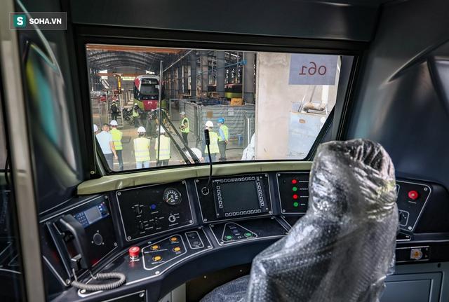 Hình ảnh mới, lạ mắt của tuyến Metro tỷ USD ở Thủ đô sắp chạy thử nghiệm đồng loạt - Ảnh 8.