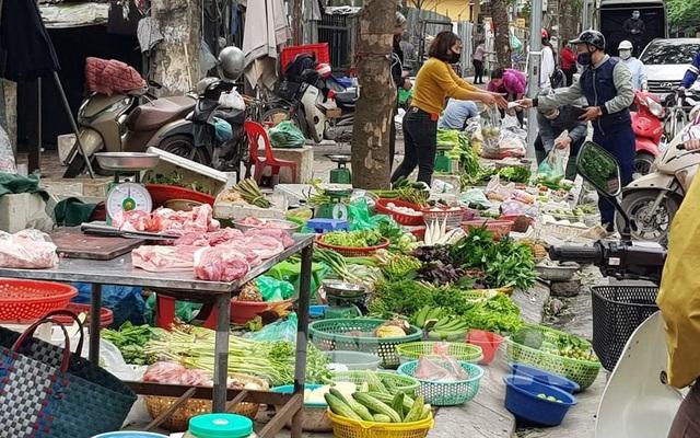 """Chợ Tết Tân Sửu kém """"vui"""" do Covid-19 - Ảnh 1."""
