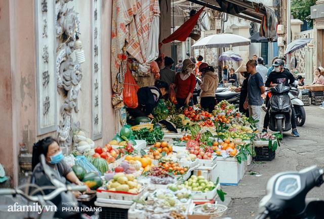 Ngày cuối năm bình yên trong ngõ chợ Thanh Hà - ngôi chợ lâu đời nhất phố cổ được giới nhà giàu chuộng mua vì toàn đồ chất lượng tươi ngon - Ảnh 12.
