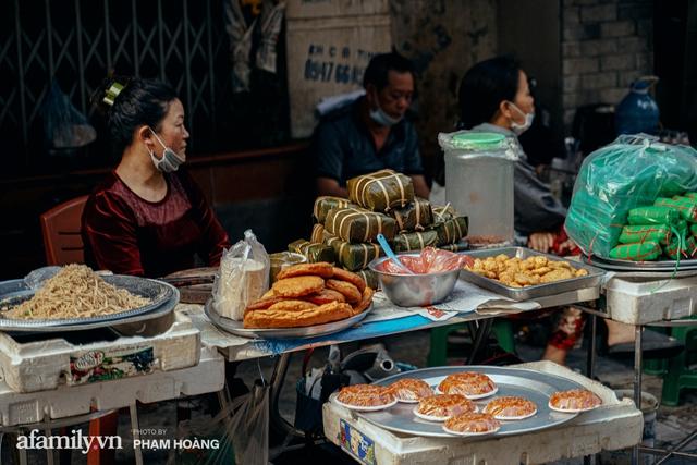 Ngày cuối năm bình yên trong ngõ chợ Thanh Hà - ngôi chợ lâu đời nhất phố cổ được giới nhà giàu chuộng mua vì toàn đồ chất lượng tươi ngon - Ảnh 16.